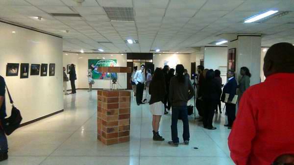 Exposición éticos y estéticos. Foto Cubasí