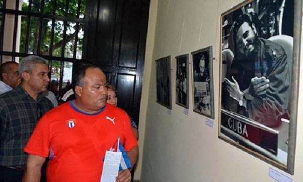 A Photographic Exhibition as a Tribute to Fidel Castro in Bayamo