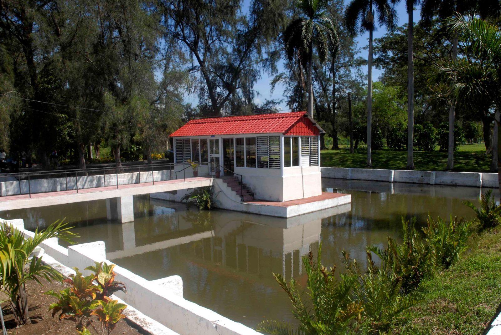 ¿Por qué tantos cubanos eligen el Balneario Ciego Montero para mejorar su salud?. Foto: Mireya Ojeda