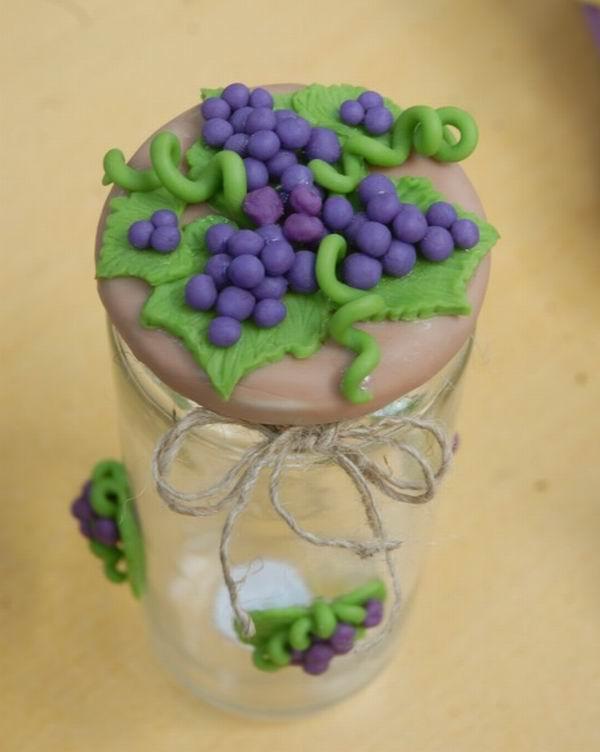 Porcelana fría, frascos renacidos con la artesana Leyani Peña