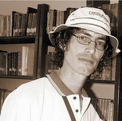 Narrador, ensayista, poeta y escritor Geovannys Manso