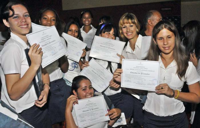 Escuelas pedagógicas terminan exitosamente el curso escolar