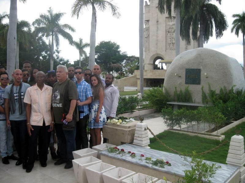Homenaje a Fidel de la Academia de Canto Mariana de Gonitch