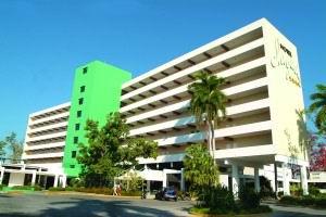Vista del hotel Jagua en Cienfuegos
