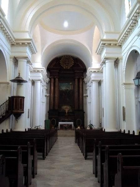 El altar mayor, obra del escultor Timoteo García.