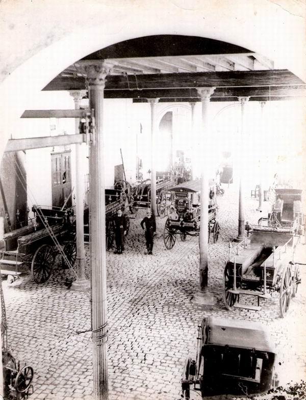 Interior de una Estación de Bomberos.