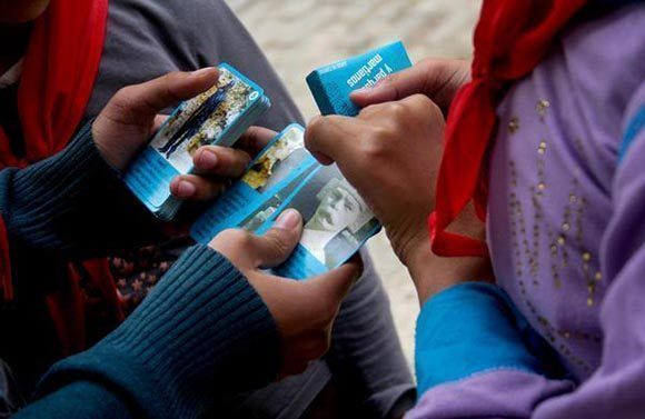 Un juego de cartas para descubrir más a José Martí (+Fotos)