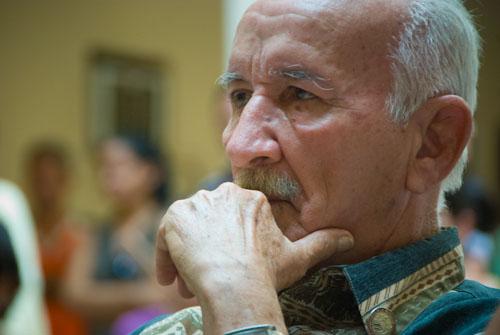El Premio Nacional de Radio 2014, Luis Orlando Pantoja Veitía, afirmó que pide la palabra como una señal de que en Cuba se puede decir la verdad.