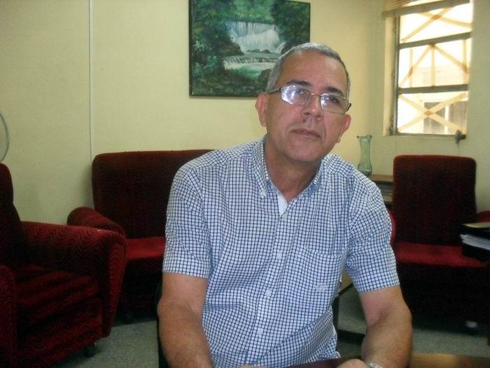 Doctor en Ciencias Manuel Valle Fasco, jefe de la dirección de profesionales del Ministerio de Educación Superior