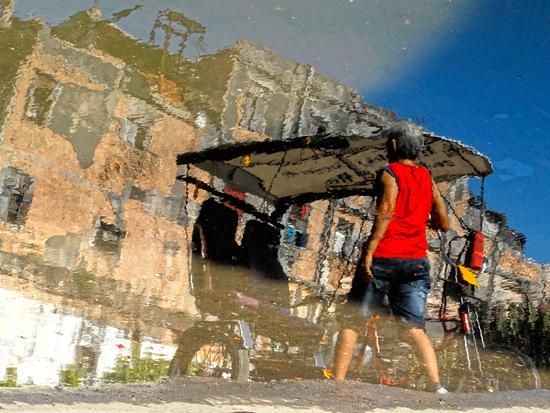 Reflejos, otra mirada hacia la vida; es una propuesta del fotógrafo Abel Rojas Barallobre