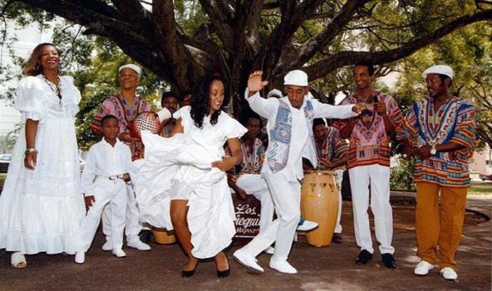 Prosigue gira por Cuba de Los Muñequitos de Matanzas