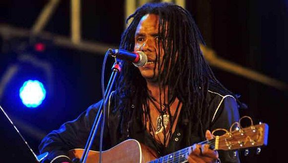 Estrenará cantautor cubano Raúl Torres canción dedicada a Fidel