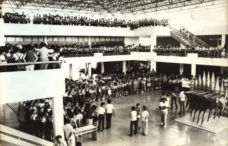 Fidel Castro en la inauguración del Palacio de los Pioneros