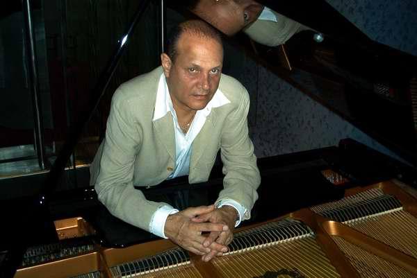Pianista Guillermo Tuzzio homenajea a Radio Rebelde