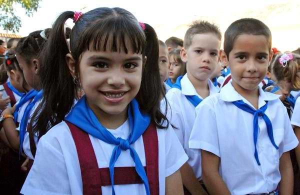 Se abren las aulas en Cuba
