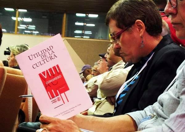 Sesiona VIII Congreso de la  UNEAC. Foto: Abel Rojas Barallobre.