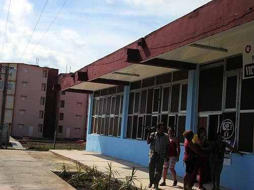 Se rehabilitó del cimiento al techo, el supermercado Victoria de Girón. Foto Aroldo García