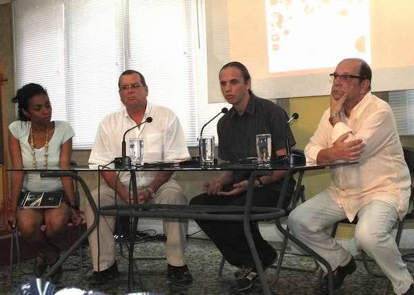 La presentación del proyecto Memorias estuvo a cargo del Vicepresidente del ICAIC, Roberto Smith; el Vicepresidente de la AHS, Jaime Gómez Triana; y el representante de ARCI, Daniele Lorenzi. Foto Abel Rojas