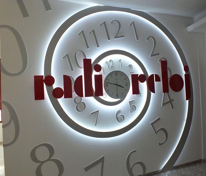 Radio Reloj a sus setenta años sigue dando la hora