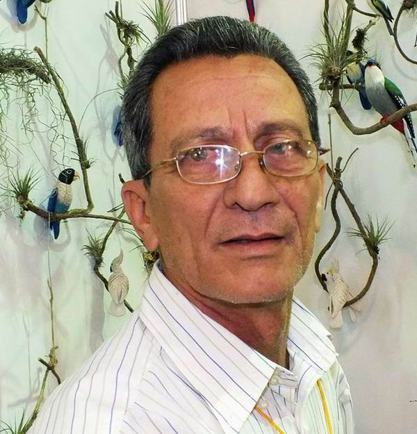 Rafael Barrios Madrigal destacó que su familia se dedica a este oficio desde hace aproximadamente 25 años. Foto: Abel Rojas.