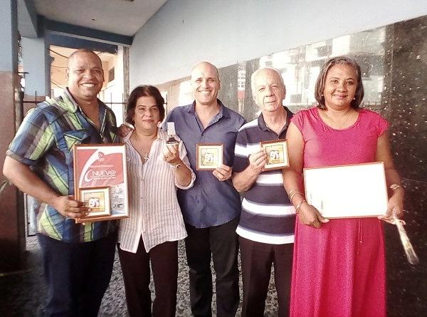 Reconocen a radialistas en contexto del aniversario 95 de la Radio Cubana
