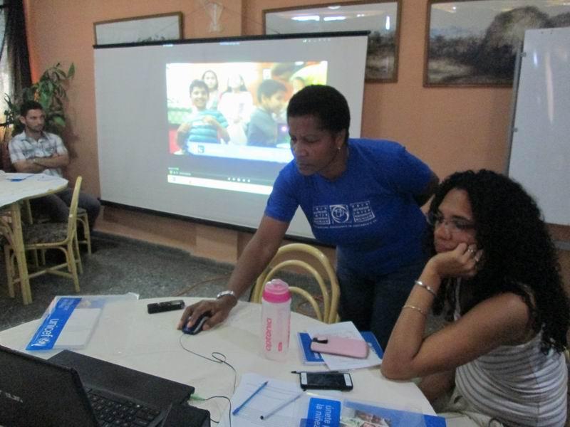 Regla Bonora Soto, coordinadora nacional, presenta los Guessin Games y sus experiencias en Prix Jeunes International.. Foto: Yirian García de la Torre.
