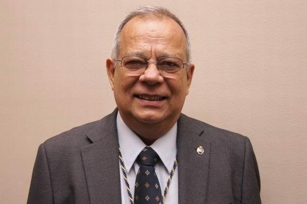 Rogelio Rodríguez Coronel Licenciado en Lengua y Literaturas Hispánicas y profesoren la Univesidad de La Habana.