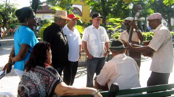 Santiago de Cuba da vivas y gracias a Fidel. Foto: Carlos Sanabia