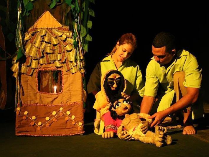 Teatro La Proa-Habana Titiritera: figuras entre adoquines