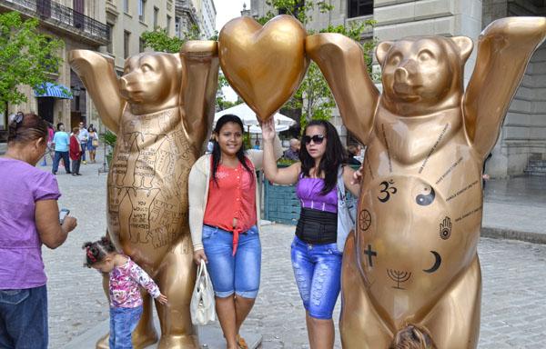 Exposición del proyecto artístico alemán United Buddy Bears. Foto Abel Rojas Barallobre