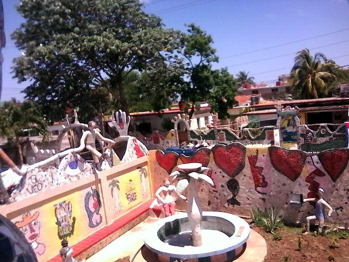 Donde nace lo cubano, Fuster y la comunidad tienen un espacio que crece en Jaimanitas. Foto Yirian García de la Torre.