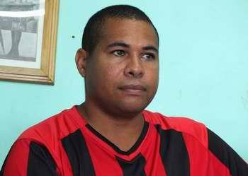 El administrador de la SB Manuel Piñeiro, Yordanis León. Foto Abel Rojas
