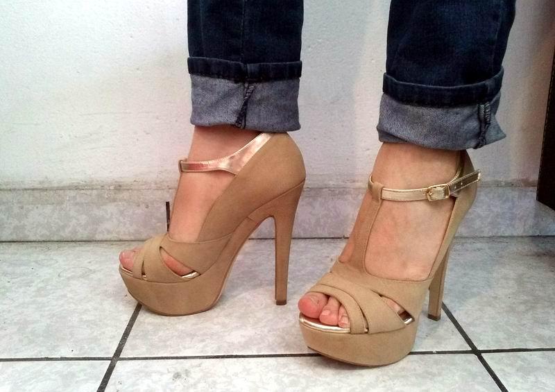 El zapato de tacón resulta dañino con el paso de los años