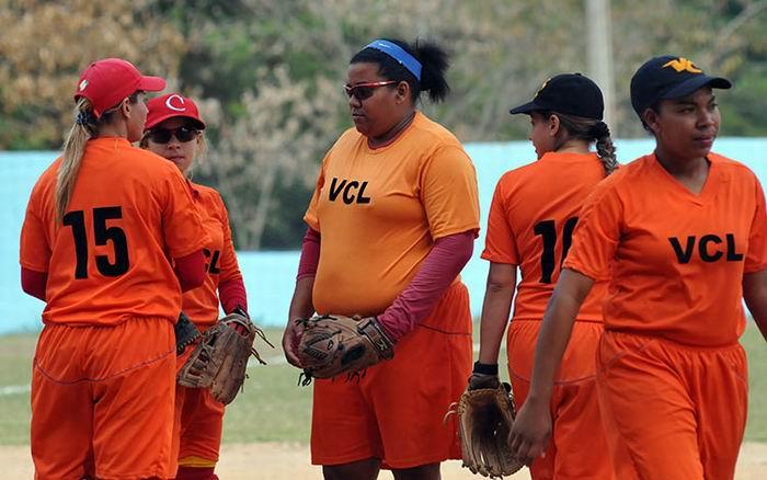 Anuncian estrellas del softbol femenino