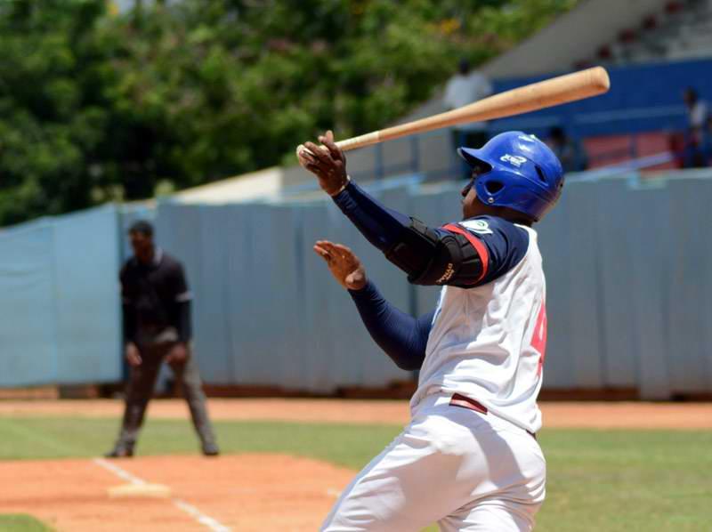 Camagüey se consolida en zona de clasificación del Béisbol cubano