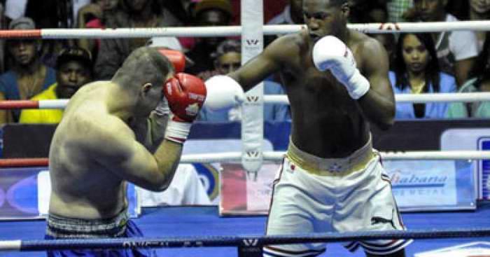 Andy Cruz gana primer oro del boxeo cubano en Toronto 2015