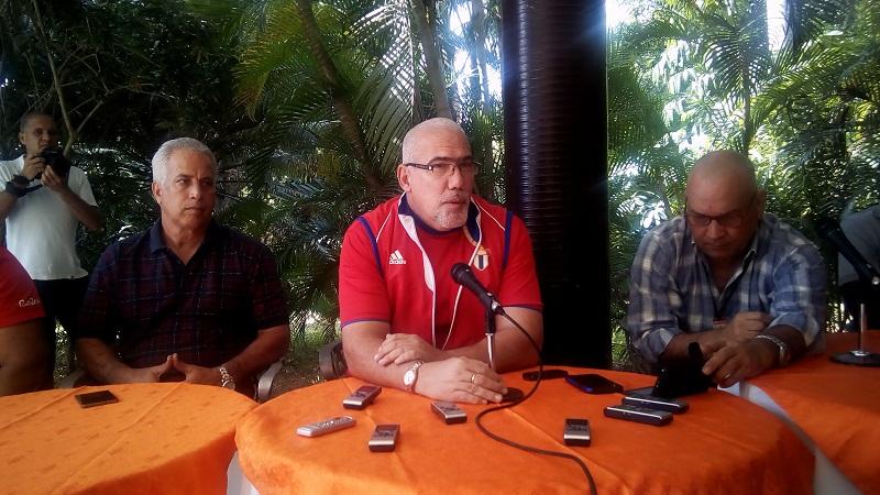 Presidente del INDER intercambia con la prensa en el cierre del año