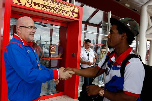 Llegan a Cuba Alazanes granmenses