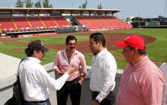 El subdirector general de la Comisión Nacional del Deporte y Cultura Física, Carlos Acra Alva señaló que se trabaja en tiempo y forma en la infraestructura deportiva y la organización de Veracruz 2014.