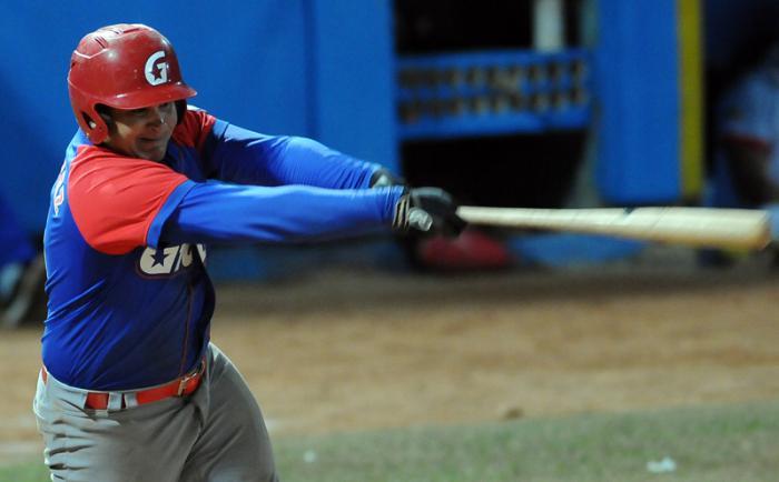 Campeones toman delantera en las semifinales del béisbol cubano (+Audio)