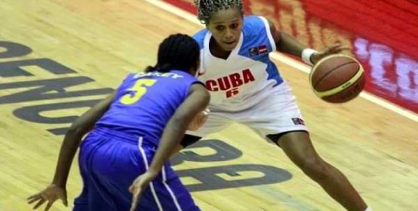 Cuba vence 66-62 a Brasil y logra bronce en baloncesto femenino