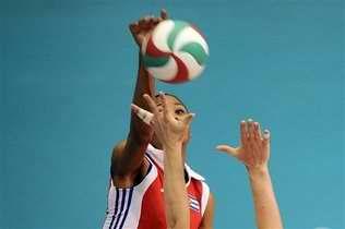 Cubanas pasan a semifinales del Voleibol