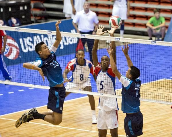 Viaj� hacia Polonia equipo masculino de voleibol para mundial