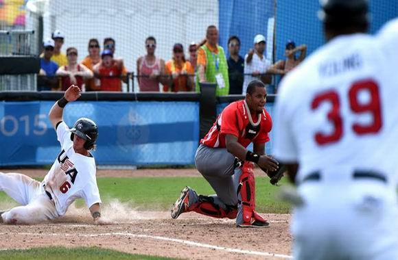 El equipo norteamericano dejó al campo a Cuba en el noveno inning. Foto: Ricardo López