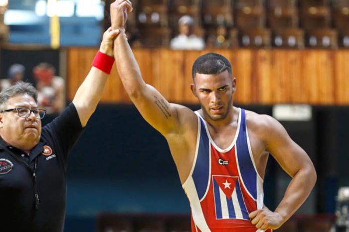 Viajan el sábado luchadores cubanos al Mundial Sub-23 de Polonia