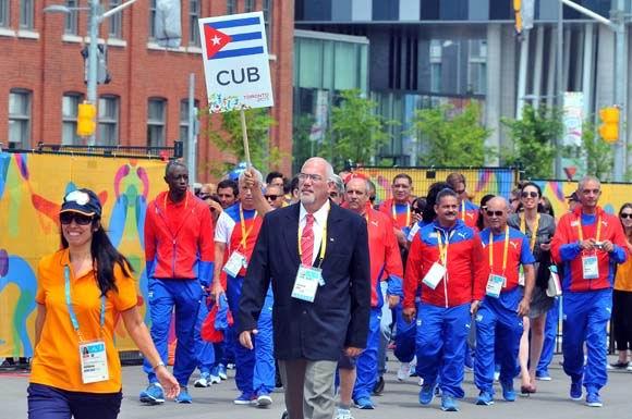 Toronto: ondea bandera cubana por Juegos Panamericanos. Foto: Ricardo López Hevia