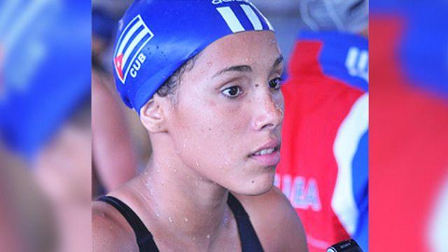 Mejora nadadora Elisbet Gámez Récord Nacional en 200 metros libres
