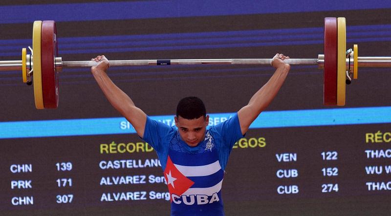 Félix Oñate con medalla de bronce en su arranque