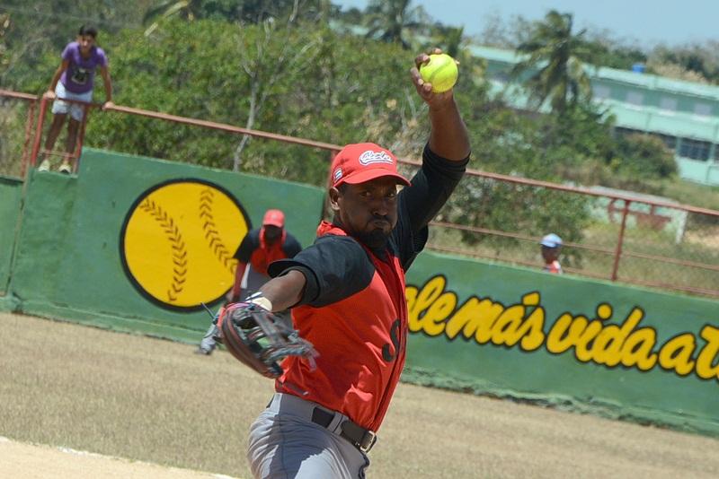Softbolistas cubanos iniciarán camino a Barranquilla