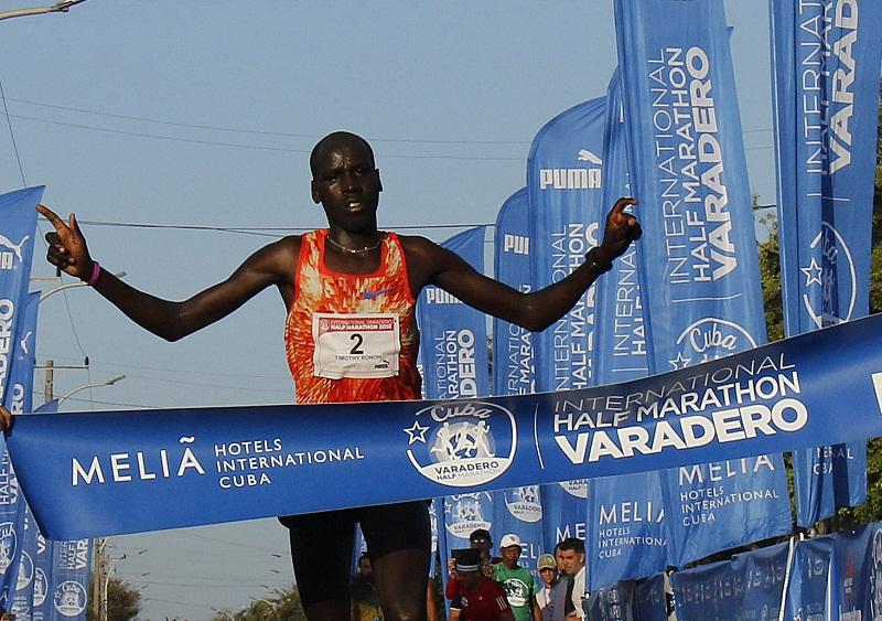 Media Maratón: Un keniano se escapó en Varadero (+Audio y Fotos)
